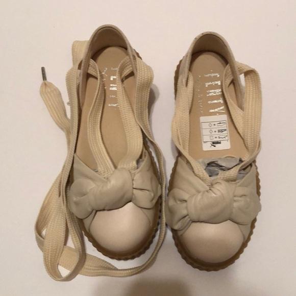 online store b7f95 109bc (Rihanna) Fenty Puma Bow Creeper Sandal in White NWT